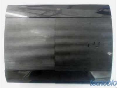 Фото новой PS3 Super Slim